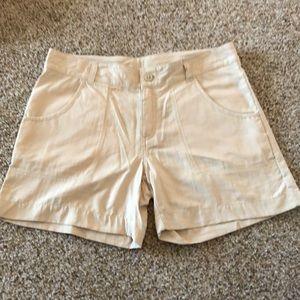 Columbia hiking shorts, youth size large 14/16